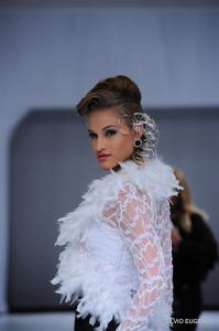 Mônica Casado assina hair show do Fios de Cabelo na Alagoas Trend House