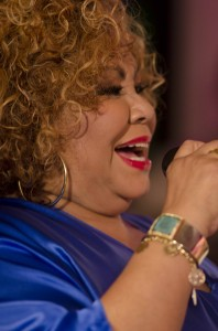 """Maceió recebe turnê """"Duas Faces"""", 40 anos de carreira de Alcione"""