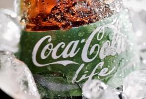Coca-Cola faz lançamento de garrafa verde